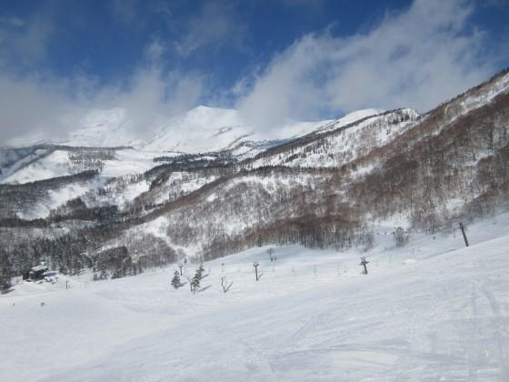 2018-02-22_1003_栂の森ゲレンデ最上部から白馬乗鞍岳_IMG_6080_s.JPG