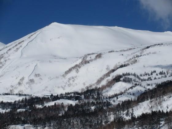 2018-02-22_1042_栂の森ゲレンデ最上部から見た白馬乗鞍岳_IMG_6089_s.JPG