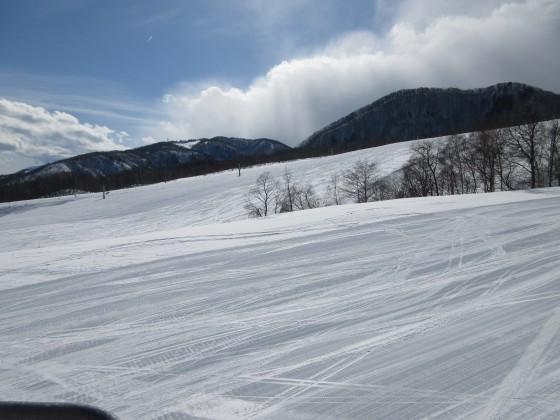 2018-02-22_1413_丸山ゲレンデから見た鐘の鳴る丘第2ゲレンデ_s_.JPG