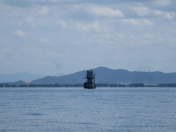 2018-08-18_1217_南の志賀沖観測塔をズーム_IMG_1613_s.JPG