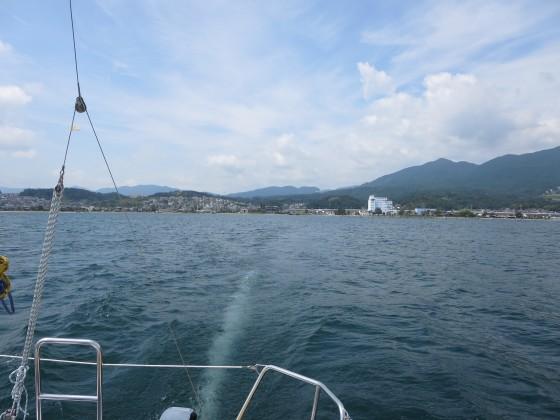 2018-08-30_1035_出港直後、志賀ヨットクラブを振り返る_IMG_1684_s.JPG