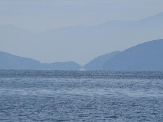 2018-11-03_1110_蜃気楼・堀切漁港の部分が浮き上がって見える_IMG_6228_ts.JPG