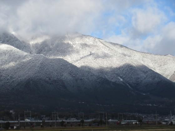 2018-12-15_0944_雪で白くなった比良の山並み_IMG_6492_s.JPG
