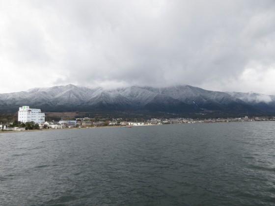 2018-12-15_1044_出港直後の比良の山並み_IMG_6496_s.JPG