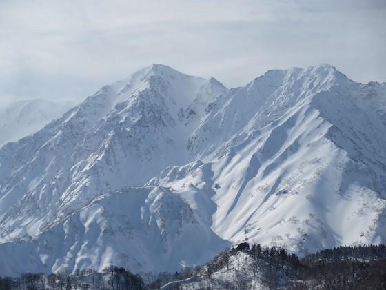2019-01-25_1255_栂の森ゲレンデ最上部から白馬鑓ヶ岳と杓子岳_IMG_6776_s.JPG