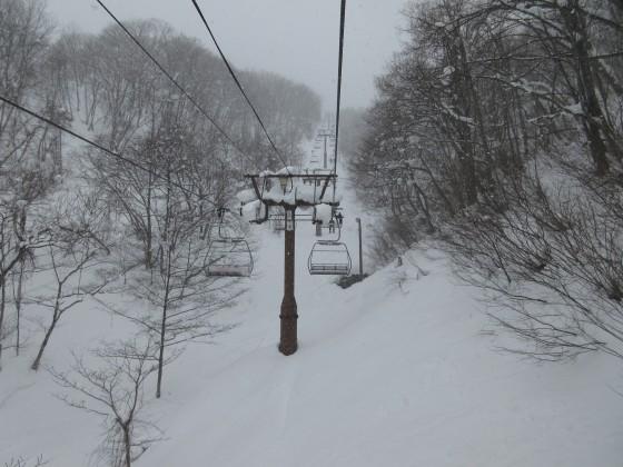 2019-01-28_1223_雪降が激しくなった白樺クワッドリフト_IMG_6862_s.JPG