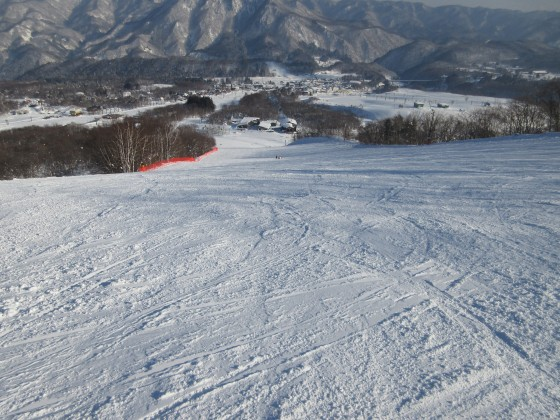 2019-01-29_1509_白樺ゲレンデ中間部から見下ろす_IMG_6904_s.JPG