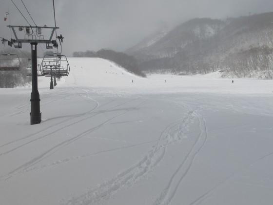 2019-02-01_1147_丸山第1クワッドリフトからみた丸山ゲレンデとハンの木コース最下部_IMG_7059_s.JPG