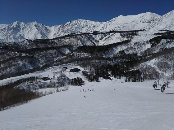 2019-02-24_1152_栂の森ゲレンデ最上部から見た白馬三山と小蓮華岳と白馬乗鞍岳_DSC_0133_s.JPG