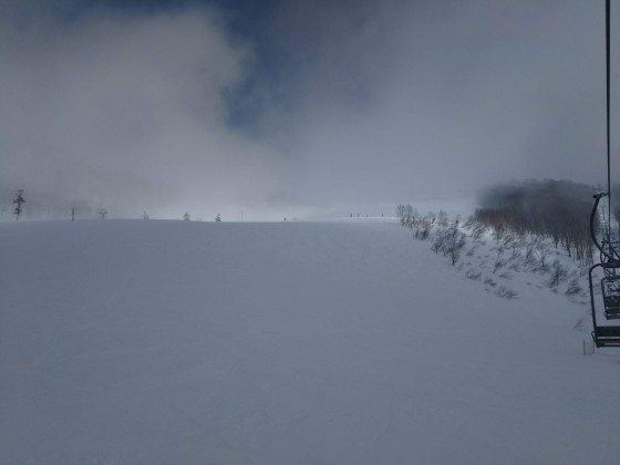 2019-02-26_1302_栂の森ゲレンデの霧の切れ目_DSC_0202_s.JPG