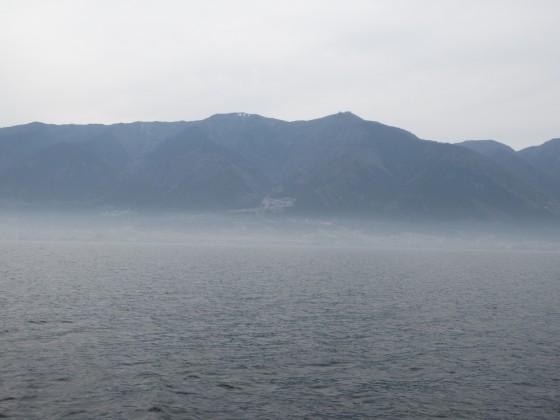 2019-04-18_1507_山裾が霞む比良の山並み_IMG_8143_s.JPG
