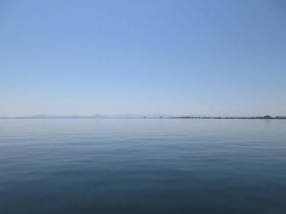 2019-05-11_1046_出港直後の近江富士方向_IMG_8451_s.JPG