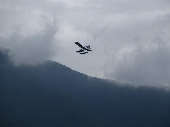2019-06-12_1039_出港直後ウルトラライトプレーンが飛んでいるのを見た、フロート付きの水上飛行機_IMG_8987_s.JPG