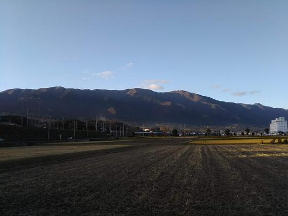 2019-11-30_1551_陽の傾いた比良の山並み_DSC_0173_s.jpg