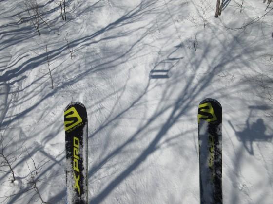 2020-01-26_1155_ハンの木高速ペアリフト・自分のスキーと影_IMG_1959_s.JPG