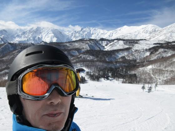 2020-01-26_1220_栂の森ゲレンデ最上部から白馬岳バックに自撮り_IMG_1983_s.JPG