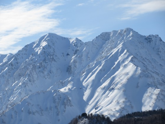 2020-01-26_1356_栂の森ゲレンデ最上部から杓子岳と白馬鑓ヶ岳_IMG_1993_s.JPG