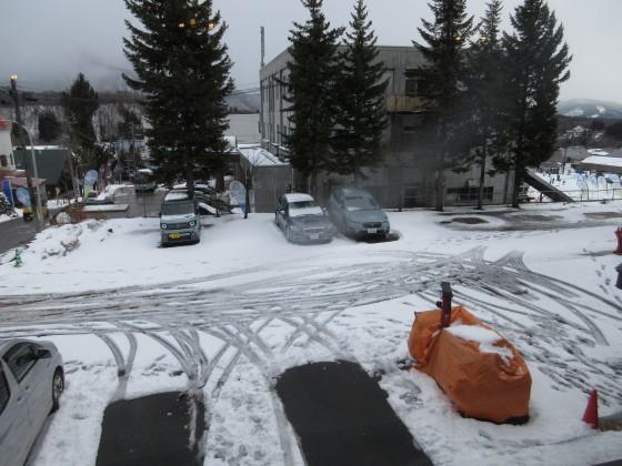 2020-01-28_1308_エスポワールみさわの駐車場の雪_IMG_2051_s.JPG