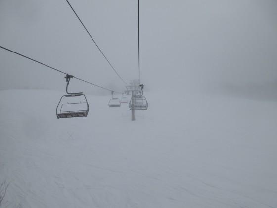 2020-01-29_0957_ハンの木第3クワッドリフトから中間部急斜面・濃霧_IMG_2070_s.JPG