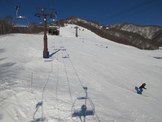 2020-02-02_0834_白樺クワッドリフトから見た白樺ゲレンデ上部_IMG_2235_s.JPG