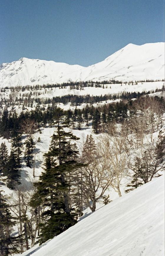 左が白馬岳、右が小蓮華山