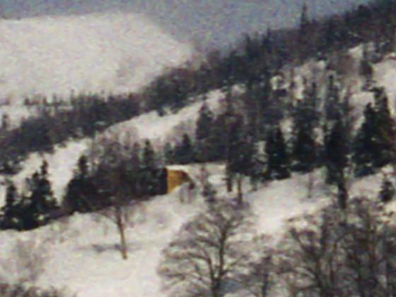 1973-03-18_06_栂の森ゲレンデから神の田圃_edit_noise_阪大小屋トリミング_img492_s.jpg