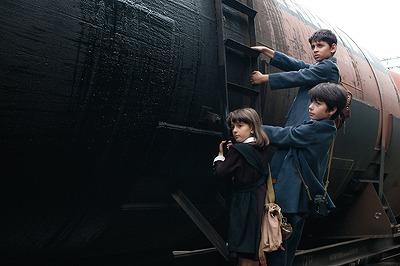 汽車はふたたび故郷へ