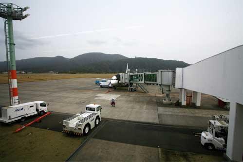 八丈島空港搭乗口