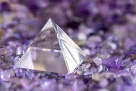 水晶ミラミッド