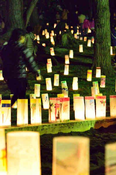 夜灯(よとぼし)の稲毛公園の灯篭_1の画像