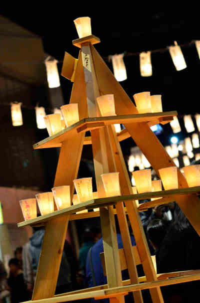 夜灯(よとぼし)の献燈台の画像