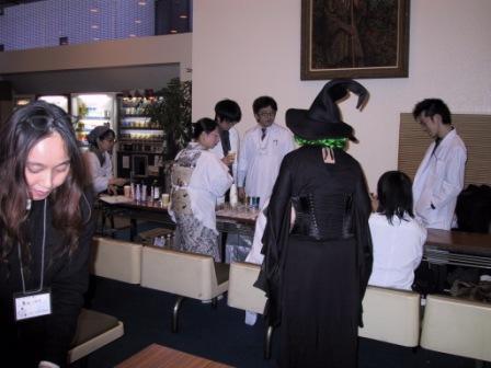 開店準備中 魔女もいます
