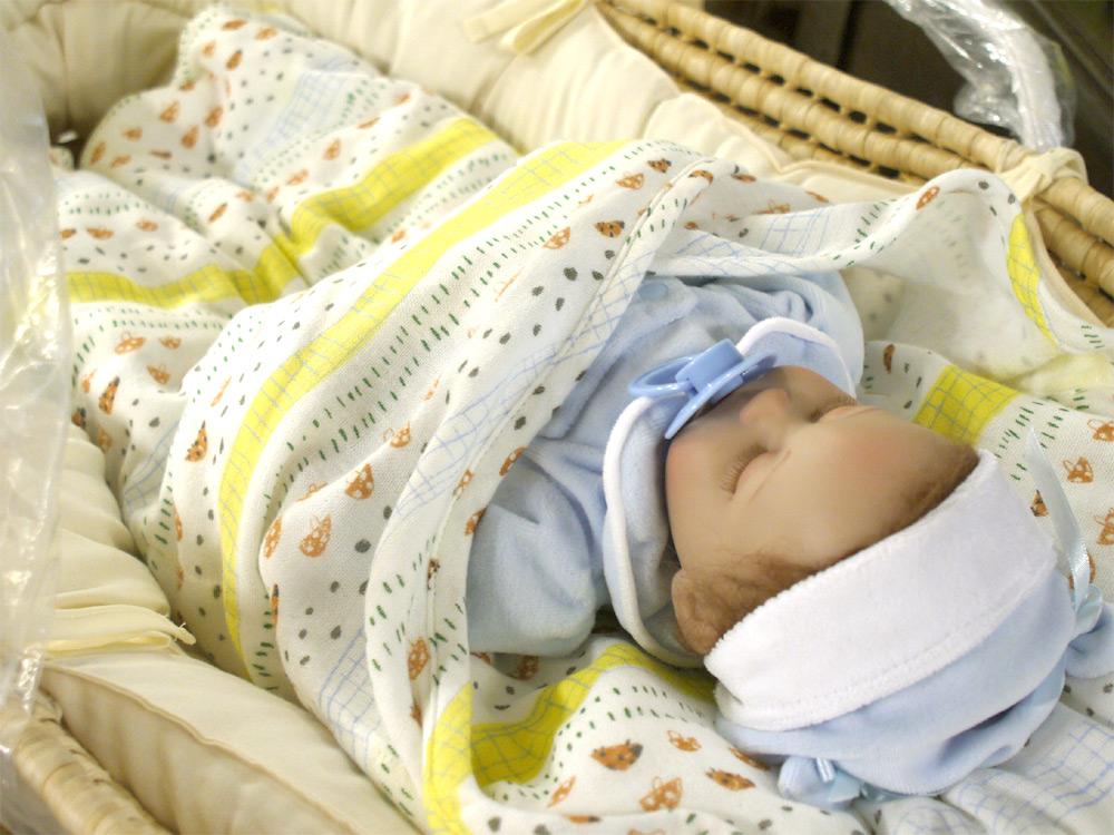 46a1b4a7fc6683 こちらのかごのクーファンは単体で使用するのではなく、たまごマットおくるみを中に入れて使用することで、便利な赤ちゃんのお昼寝アイテムになります。