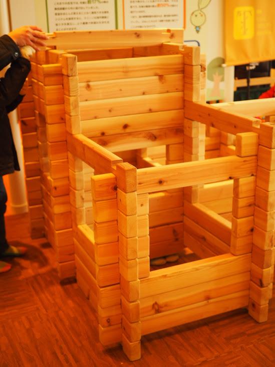 グッド・トイ 木育おもちゃの広場 キャラバンの様子 間伐材