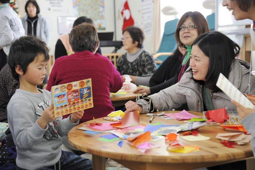クリスマス会で折り紙教室