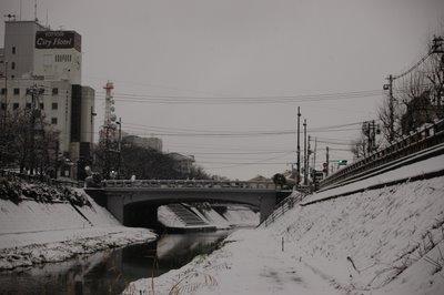 雪の若桜橋