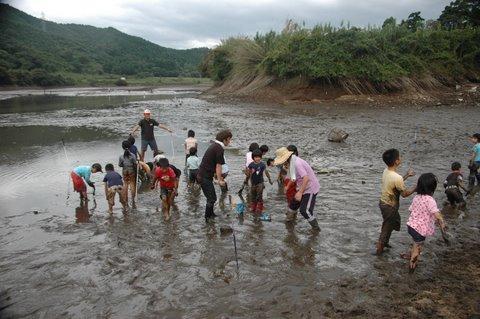 ウグイ突き漁 子供
