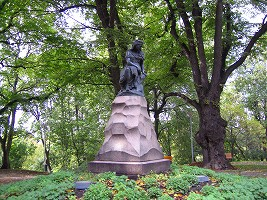 リンダの像