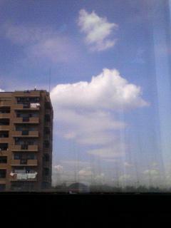 お昼休憩、地区予選の会場の窓から
