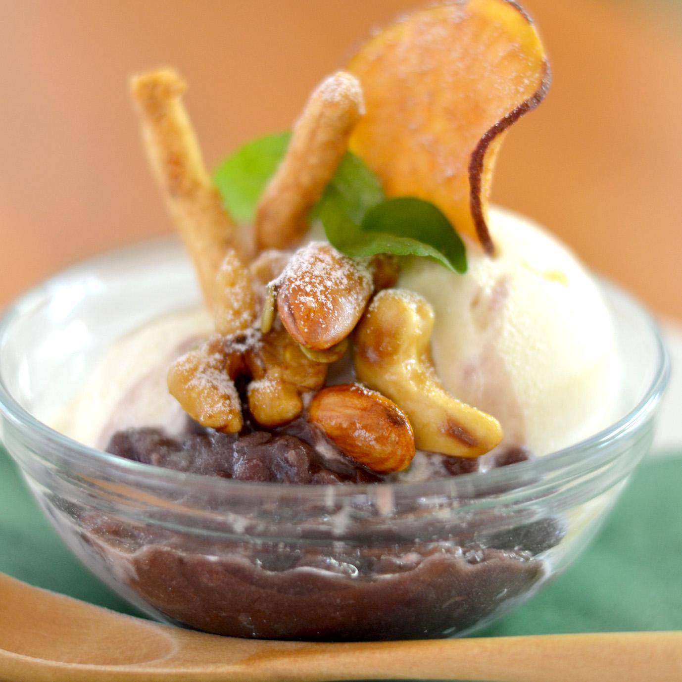 マクロビアンコと木の実の豆乳バニラアイス
