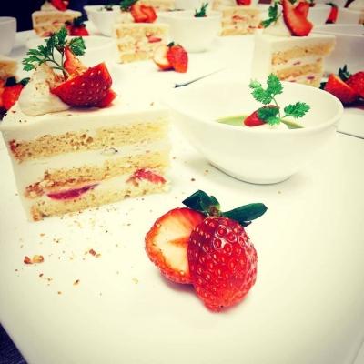 お豆腐クリームの苺ショートケーキ
