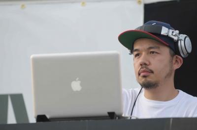 DJ 1,2!