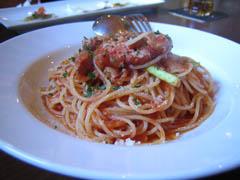 ベーコンとアスパラのトマトソーススパゲティ。