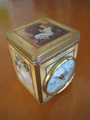 アリスの置時計