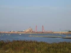 大野島から昇開橋を望む。
