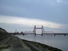 中の島から見た昇開橋