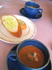 スープとガーリックトースト