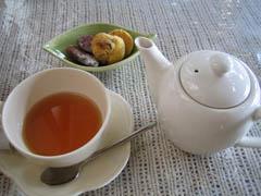 紅茶と小菓子