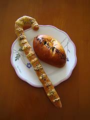 亜麻仁グリッシーニとカレーパン