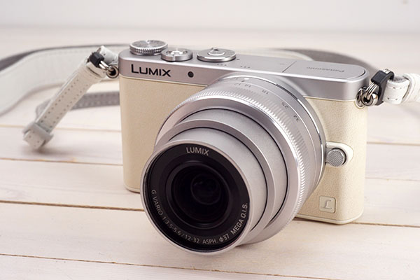Lumix DMC-GM1K ホワイト